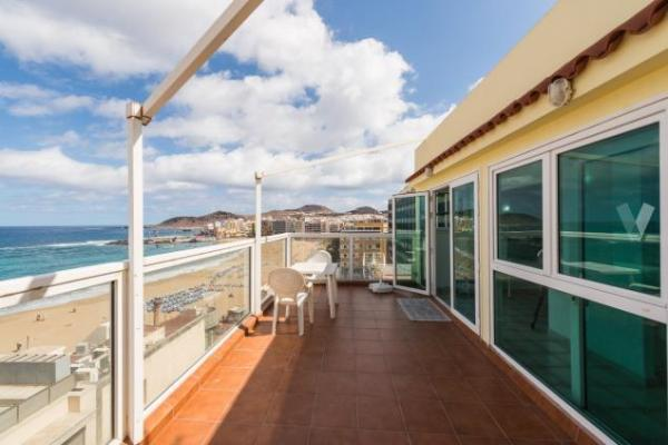 Las Palmas penthouse apartment with views of Las Canteras beach