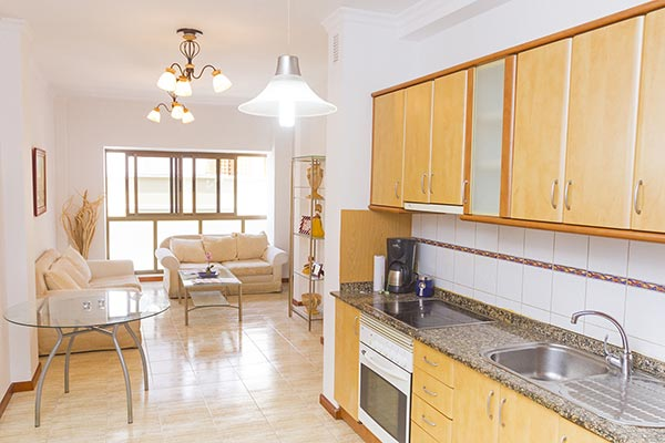 Bright and spacious 2-bed apartment close to Las Canteras beach
