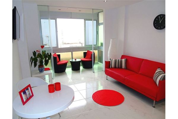 For sale: One bedroom Las Palmas apartment close to Las Canteras beach