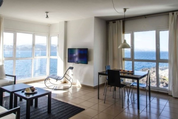 Front line apartment with beach views and a short walk from Las Canteras