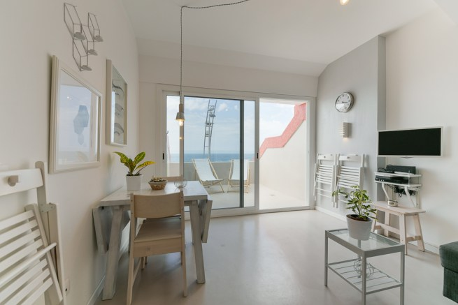 For sale: Refurbished beachfront apartment in Las Palmas de Gran Canaria