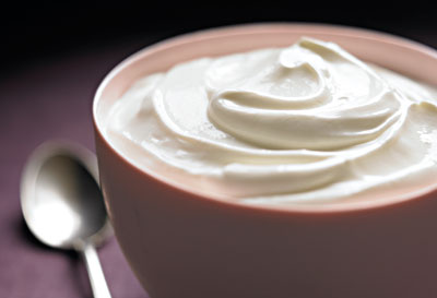 20 Protein-Packed Foods that Slim//Greek Yogurt c Mitch Mandel