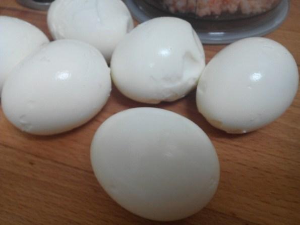 Huevos rellenos con chaca (15)