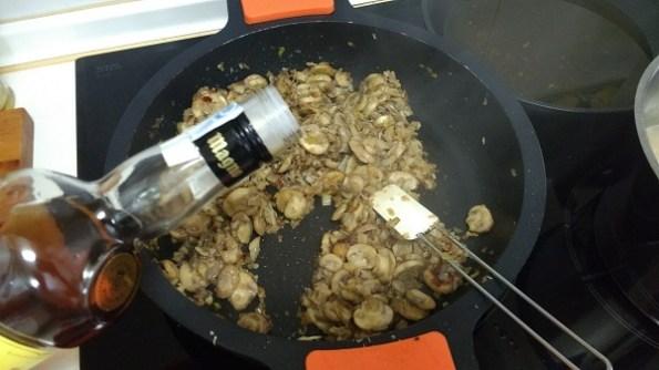 Pasta Orecchiette con setas y champiñones (9)