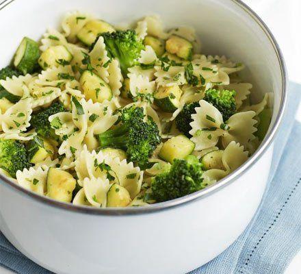 Recetas – Calabacín, brócoli y pasta gremolata