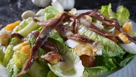 Recetas – Lechuga, anchoas y ensalada de huevo