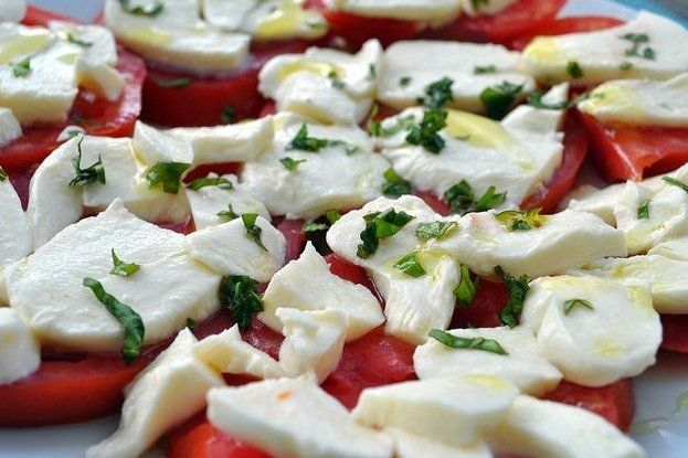 Recetas – Ensalada de tomate con queso mozzarella