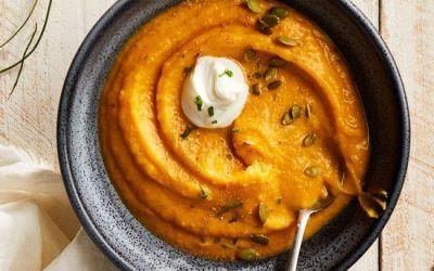 Sopa cremosa y saludable de calabaza y jengibre