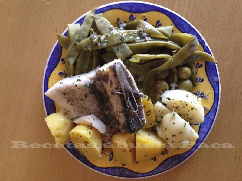 Bacalao cocido (estilo portugués) ofrecido por Miguel Álvarez Candeias0 (0)