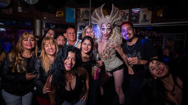 drag queen con otros