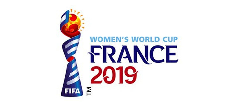 Fotbalul feminin ar trebui sa se dezvolte independent!