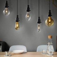 Il calore delle lampade vintage in un design minimalista