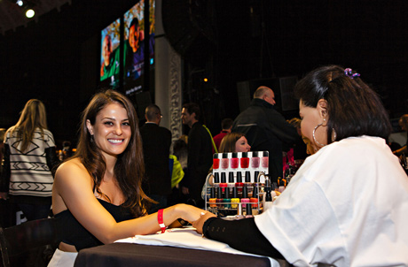 American Idol Amy Jean Davis enjoys an OPI manicure - Photo: Karen Ray