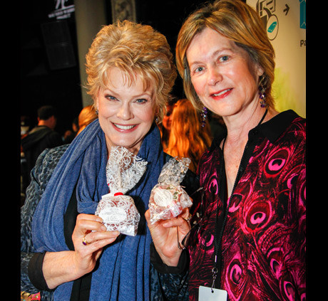Soap star Gloria Loring with Plumflower Soap Company - Photo: Karen Reuter