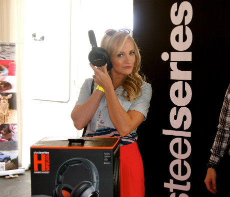 "randi Burkhardt from ""Hart of Dixie"" with SteelSeries Gaming Headphones."