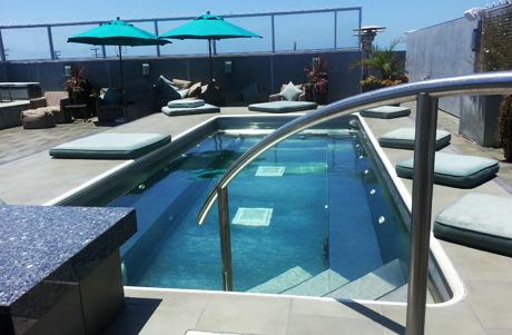 rooftop-pool
