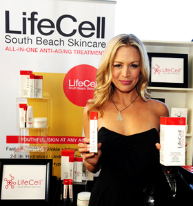 Heather Storm, Life Cell, GBK pre emmy gift lounge