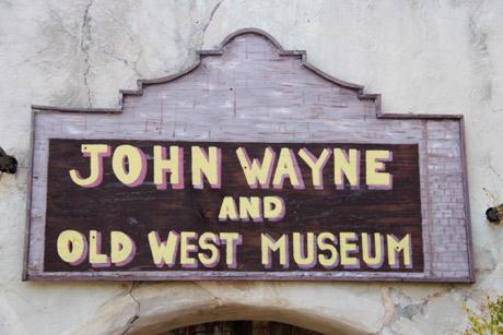 john-wayne-alamo