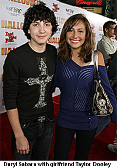 daryl Sabara with girlfriend Taylor Dooley