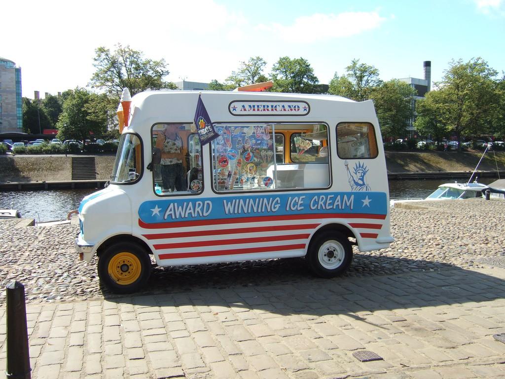 Noch immer beliebt: Eis auf Rädern.
