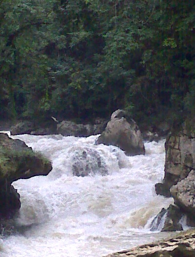 Semuc raging river