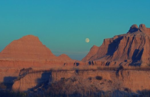 Badlands, SD Moonrise 2