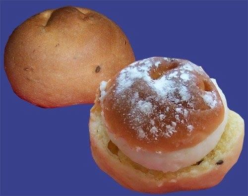 """I palermitani biscotti di San Martino """"abbagnati nn'o muscatu"""""""