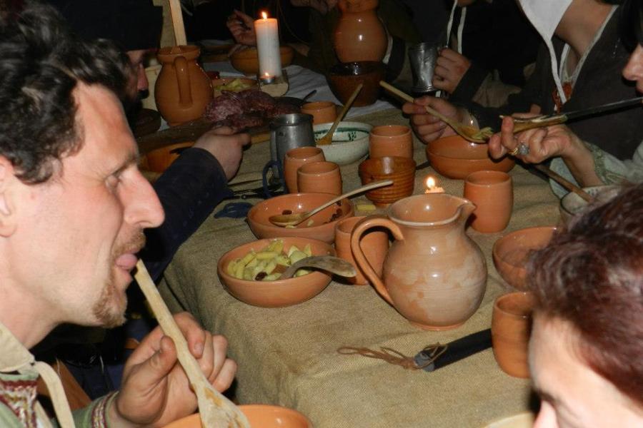 La cena... ovviamente medievale
