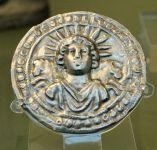 Sbalzo in argento, disco del Sol Invictus, Roma III d.C., proveniente da Pessinus, British Museum