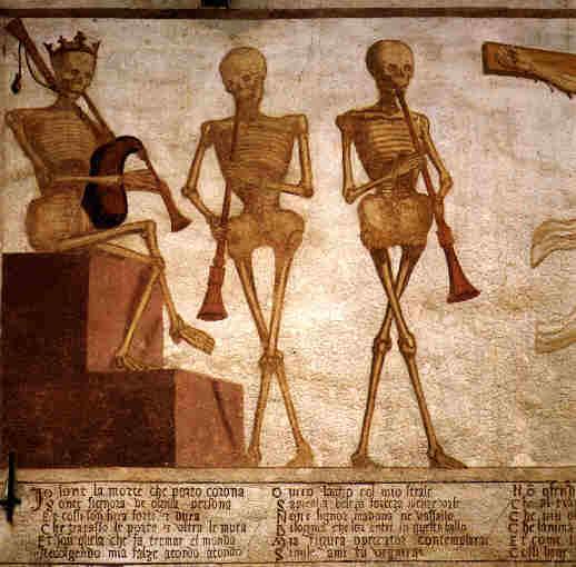 """Dettaglio della Morte coronata intenta a """"suonare"""" la danza per gli umani"""