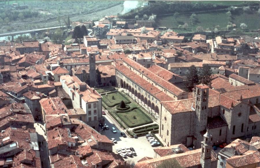 Bobbio - Veduta Monastero San Colombano