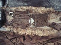 La ragazza di Egtved: la tomba dell'età del bronzo con i ritrovamenti (Foto: Karin Margarita Frei)