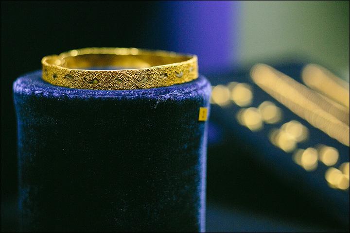 Braccialetto in oro (Foto:Vera Salnitskaya)
