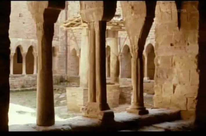 Il chiostro del Monastero della Visitazione è in realtà quello dell'abbazia di Santa Maria di Valdiponte (Loc. Montelabate, Perugia)