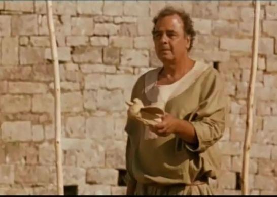 Il padre di Margherita le spiega il significato delle pertiche con le colombe