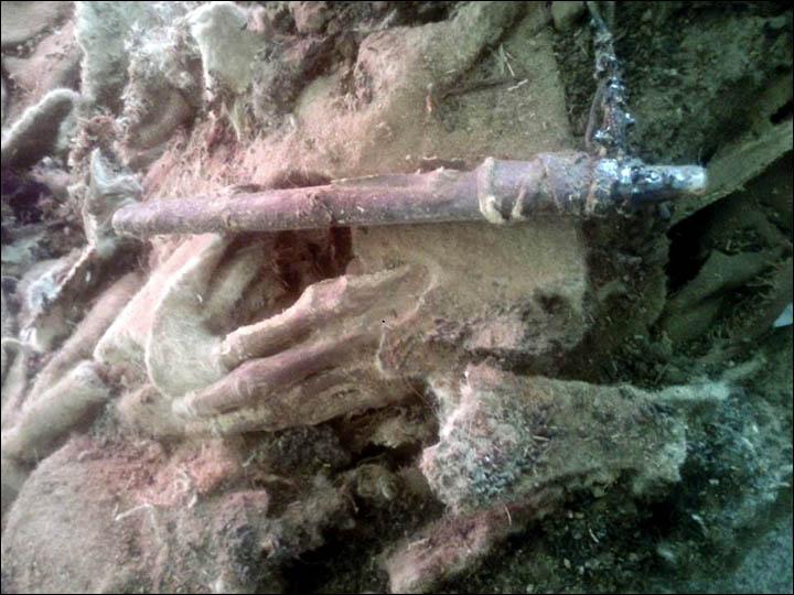 La mano parzialmente visibile della mummia (Foto: Khovd Museum)
