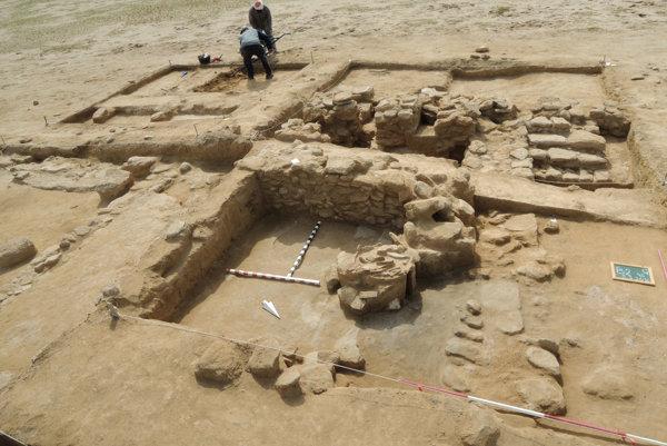 Archeologi slovacchi in Kuwait (Fonte: AI SAV / SITA)