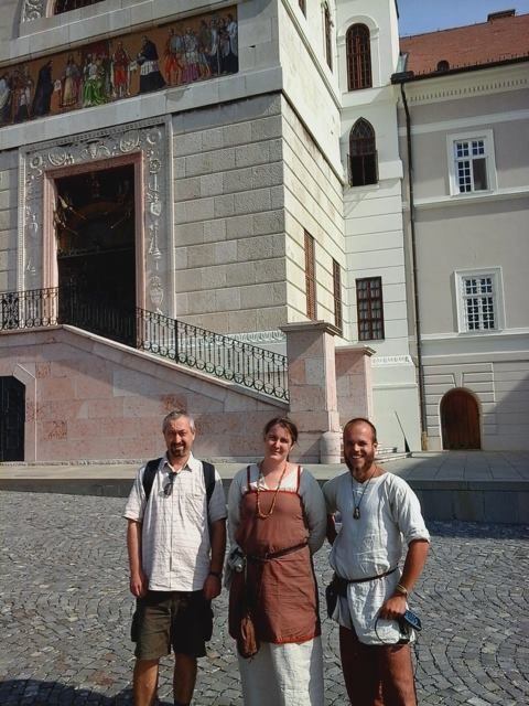 Karel in visita all'Arciabbazia di Pannonhalma, in Ungheria (Foto: http://sagy.vikingove.cz/)