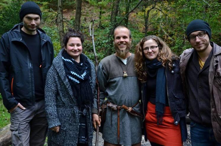 Con gli amici dei servizi archeologici Skupina STIK e Arheofakt (Foto: http://sagy.vikingove.cz/)