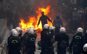 Анархисты захватили дом российского олигарха в Лондоне