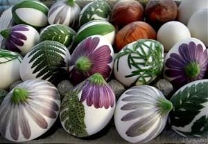 Украшение яиц на Пасху, украсить яйца на Пасху, раскрасить яйца на Пасху, украшение и цветов на Пасху