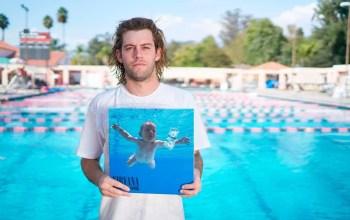 Самый известный голый ребёнок планеты подал в суд на группу Nirvana