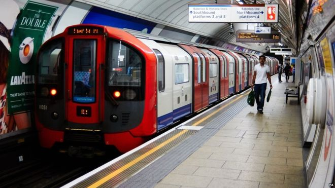 89768968 88556224 - Night Tube services to start in August