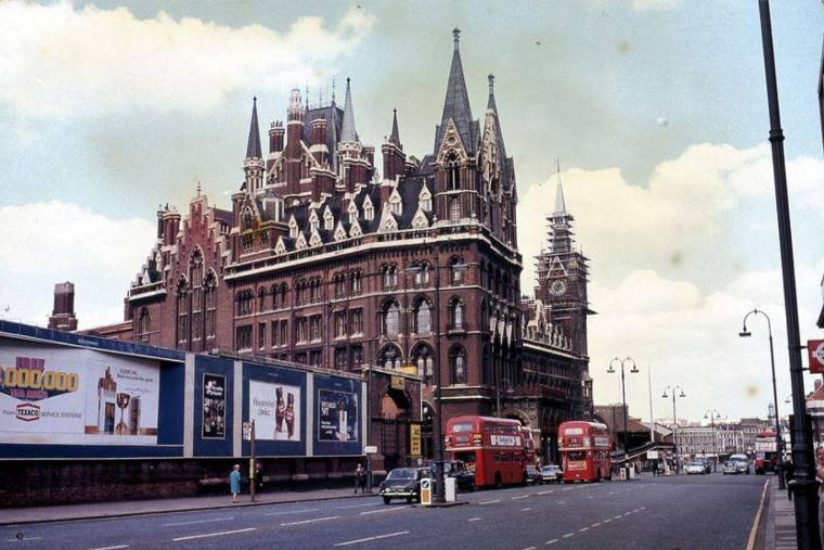 kings cross 1 1024x683 - TfL news: Fascinating vintage photos show London Tube network from the 1960s to 1980s