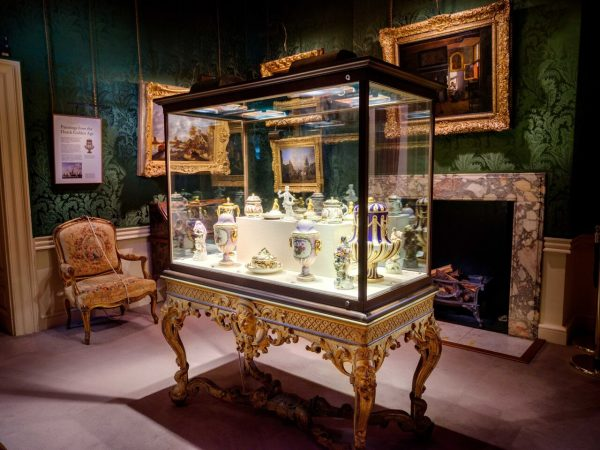 jPy1HrBA 600x450 - Rangers House – the art collection you've probably never seen