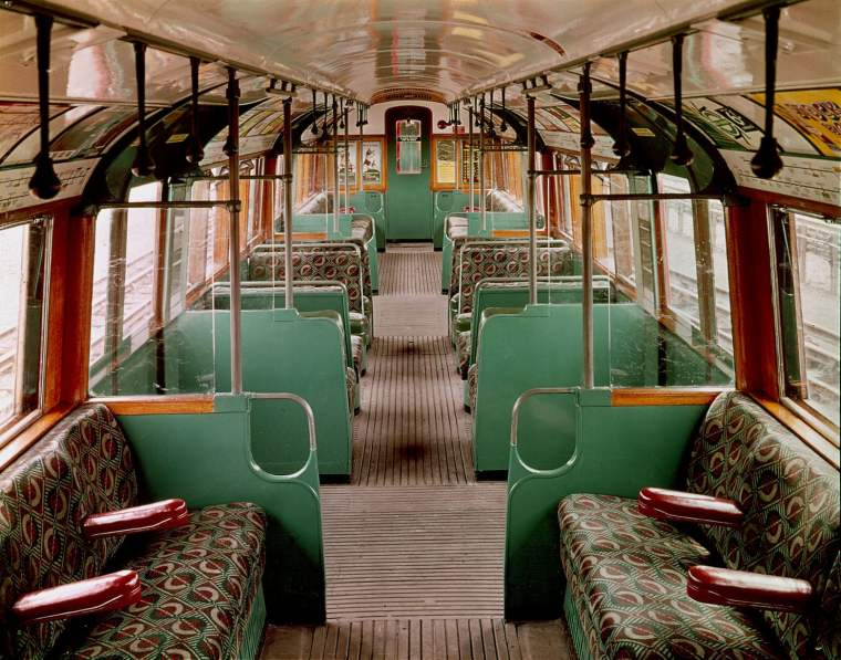 1561 1024x804 - London transport fabrics over the decades