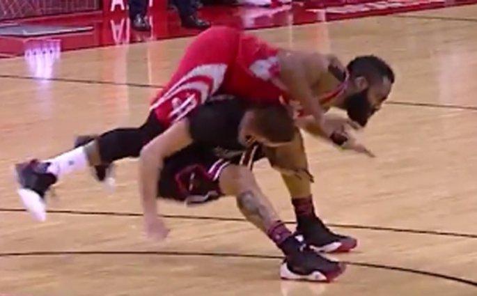 James Harden, le filou magnifique contre les Chicago Bulls
