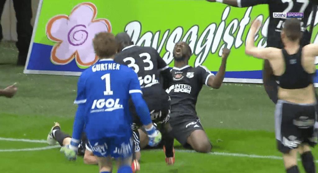 Le but de la montée en Ligue à la 96e minute pour Amiens