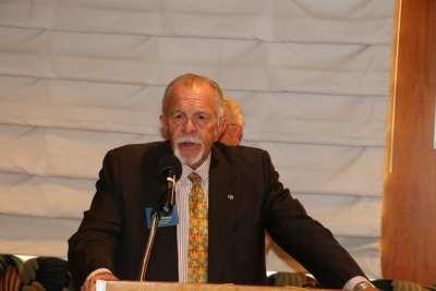 Len Yelinek of the Kiwanis led us in the pledge of allegiance.