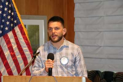 Eric Astramicki led us in song and the pledge of allegiance.